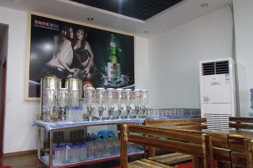 扎啤店效果图 青岛扎啤广场效果图 扎啤店装修效果图 多彩扎啤 扎啤城